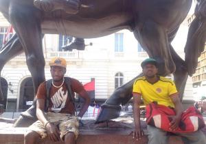 REPORTAJE TRABAJADORES MIGRANTES - Baldo de Haití (izquierda) y Jorge de Colombia (derecha)